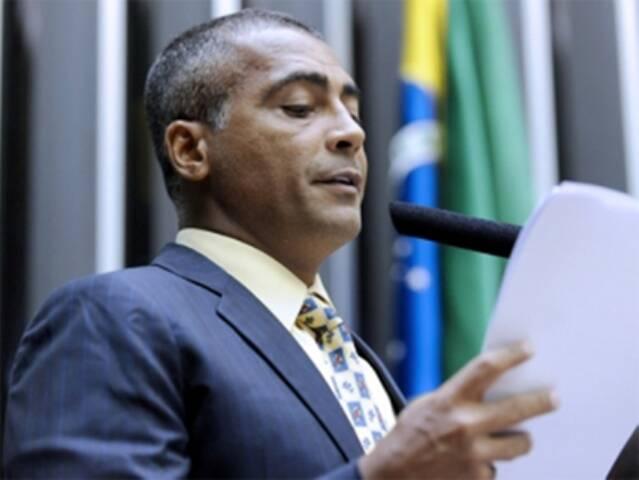 O deputado federal Romário já voltou à rotina de parlamentar em Brasília, nesta terça-feira / Foto: divulgação