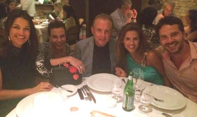 A família Grendene: Alexandre, Nora, Laura e Guilherme com a amiga Narcisa Tamborindeguy no Gero