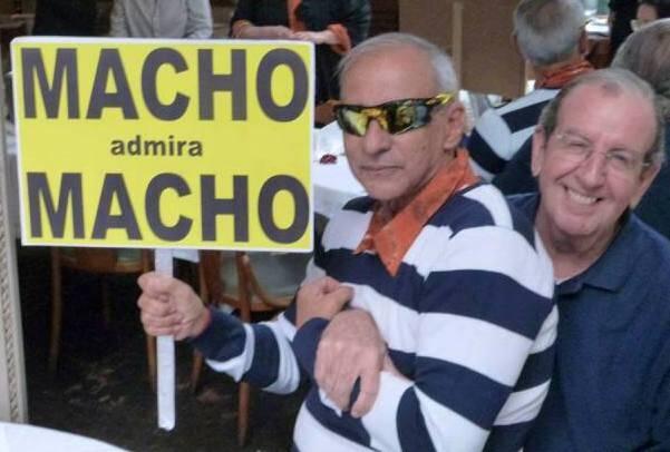 A gozação já começou: Nelson Couto, um dos organizadores da marcha, com o amigo José Mauro Matos / Foto: divulgação