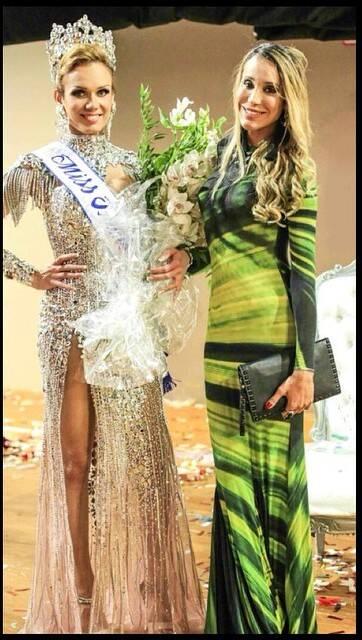 Carol Marra, à direita, com a Miss Universo Trans Kalena Rios / Foto: reprodução da internet