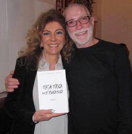 """Marília Pêra e Luiz Carlos Góes no lançamento, em 2013, do livro dele, """"Teatro Nervoso"""" / Foto: divulgação"""