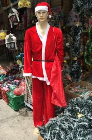 Papai Noel: sem-glúten-sem-lactose-sem-barba-e-com-cintura-marcada? Só no Saara / Foto: Aloisio de Abreu