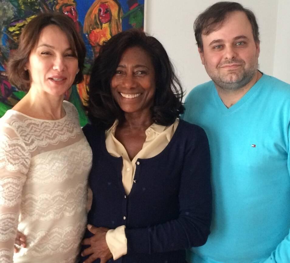 Glória Maria na Sérvia com os novos amigos Katarina Andjelkov e Marcos Sforza. A jornalista só volta ao Brasil no próximo dia 15