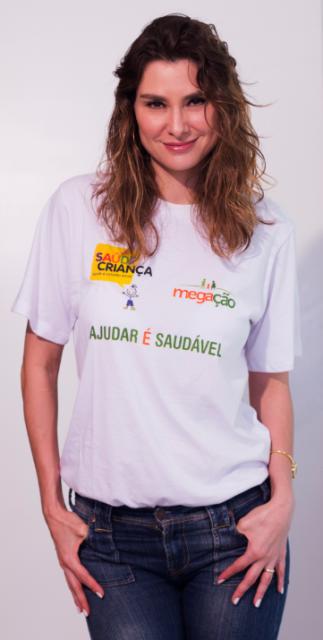 A atriz Lavínia Vlasak aderiu à campanha que vai permitir a qualificação, em culinária, de 40 alunas de um projeto da Associação Saúde Criança/ Foto: Enes Júnior