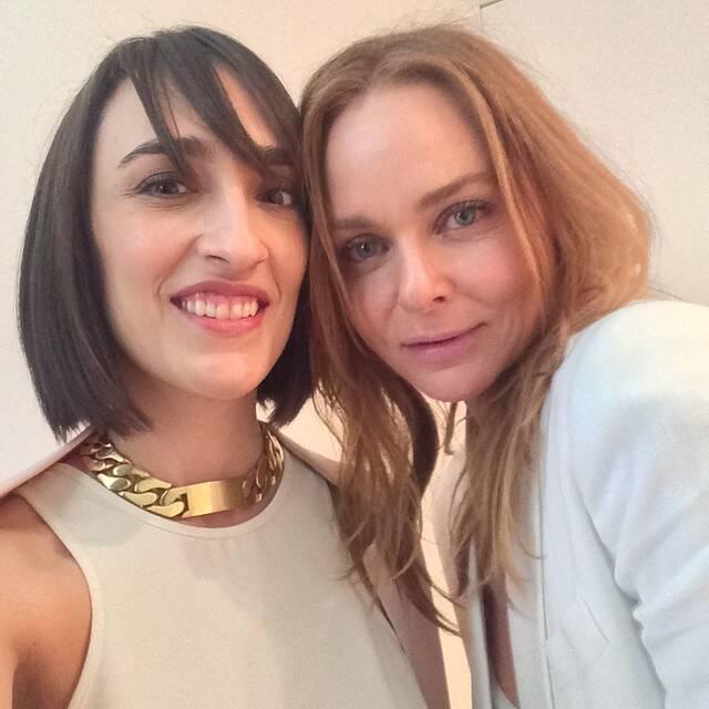 Maria Prata e Stella McCartney: a jornalista mediou conversa com a estilista, que está em São Paulo