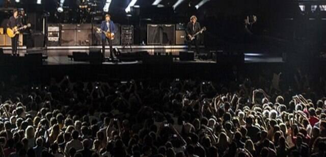 Depois que a multidão saiu do show de Paul McCartney, no HSBC Arena, foi uma loucura pra pegar táxi