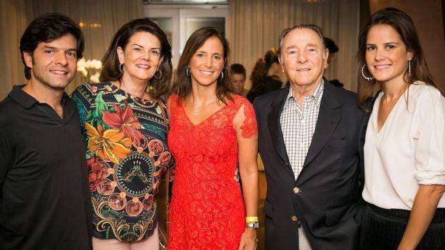 Em sentido horário: Renata com Maria Beltrão; Renata com Flávio Canto; a advogada com Hélio de la Peña e Bernardinho/ Fotos: divulgação