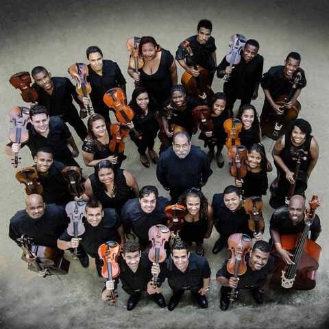 Os músicos da Orquestra de Cordas da Grota, que já se apresentou em Portugal, EUA, Panamá, Costa Rica, Nicarágua, Honduras e Belize / Foto: divulgação