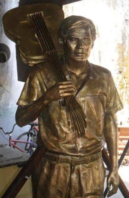 Tom Jobim: o projeto de uma estátua pública em homenagem ao maestro - é essa aí