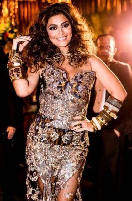 Juliana Paes:  a atriz faz bazar de suas roupas a preços populares para ajudar portadores do vírus da AIDS / foto: divulgação