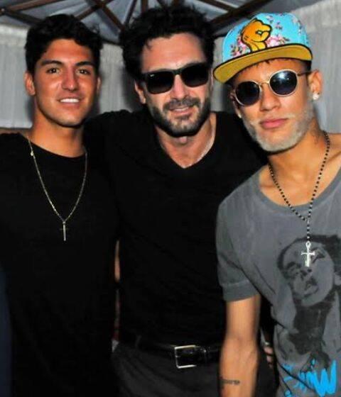Gabriel Medina, Rico Mansur e Neymar na festa 'Fresh Tropical' - que barba é essa do jogador? Foto: Cassiano Souza