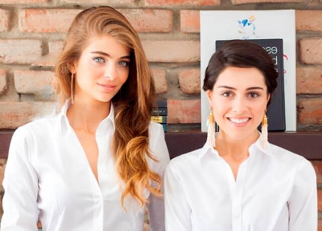 Maria Frering e Camila Cunh: a dupla criou uma marca de joias, que vai ser lançada nesta terça-feira (09/12), no Hotel Fasano / Foto: divulgação