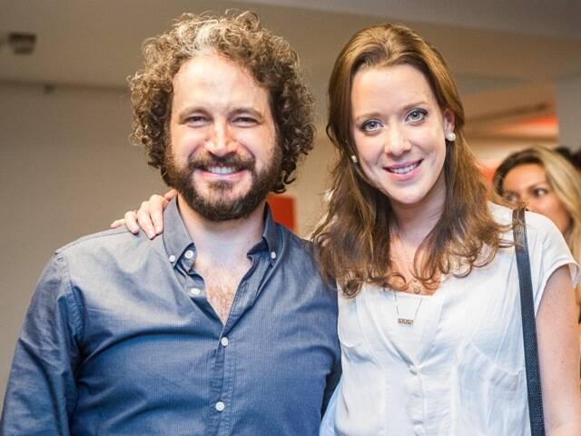 Caco Ciocler e a assistente de direção Sophia Tess, bisneta de Aracy Guimarães Rosa / Foto: divulgação