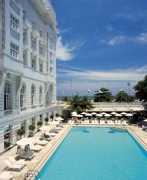 O hotel Copacabana Palace abre oficialmente, nesta quinta-feira, seu bar na piscina/ Foto: divulgação