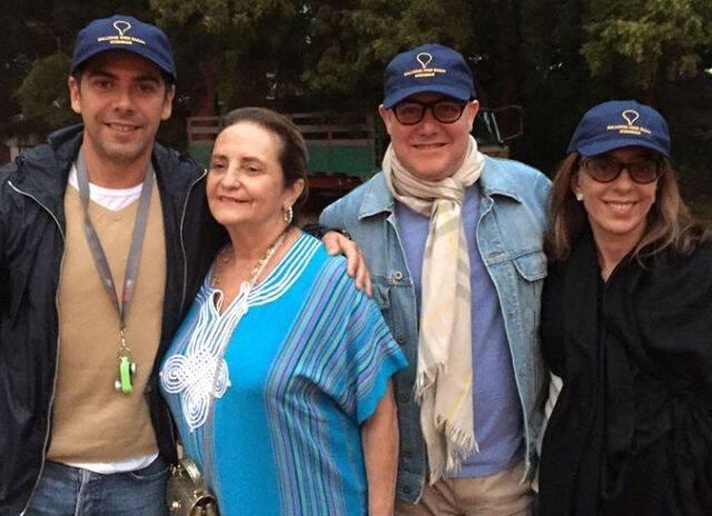 João Ricardo Coelho, Lucinha Araújo, Paulo Mùller e Mônica Marinho, pouco antes de um passeio de balão / Foto; reprodução da internet
