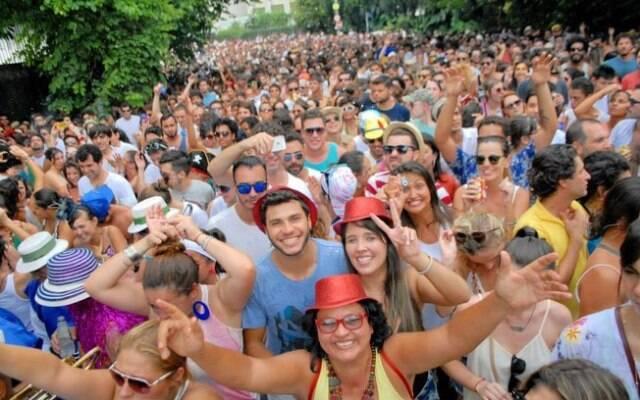 Parece um bloco carioca, mas é de São Paulo: os blocos surgem, numa cidade e outra, com nomes criativos e engraçados / Foto: IG