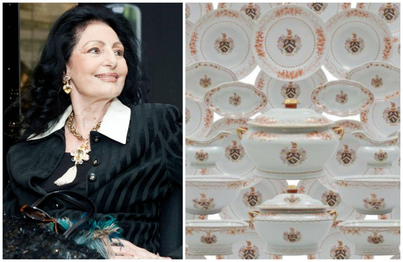 Carmen Mayrink Veiga e o serviço de louça francês com 250 peças, que vai a leilão/ Foto: Bruno Ryfer e divulgação