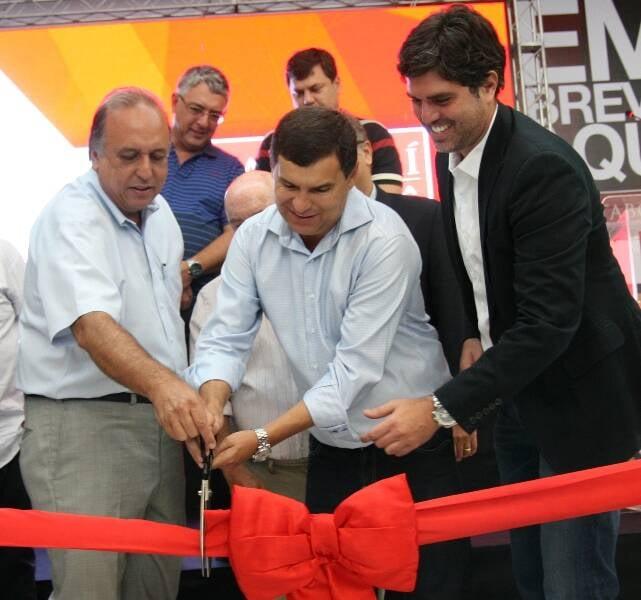 Luiz Fernando Pezão, Francisco Dornelles, Helil Cardozo, Fred Youssef na inauguração do Itaboraí Plaza/ Foto: divulgação