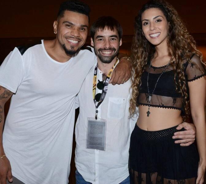 O cantor Naldo com o produtor Antonio de Andrade e a atriz Mariana Brassaroto/ Foto: Paulo Jabur