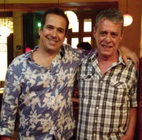 Zé Paulo Becker e Chico Buarque, na famosa noite da canja do compositor no bar Semente / Foto: divulgação