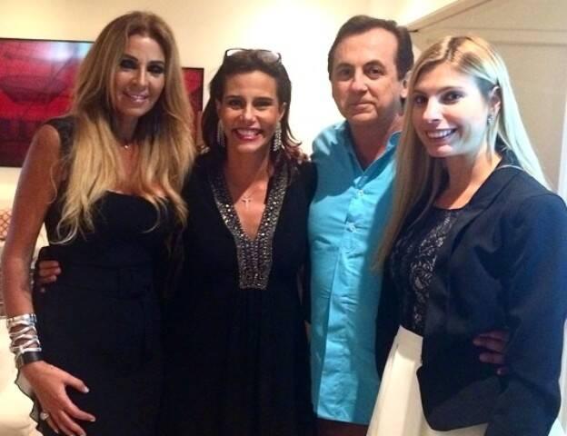Nina Stevens, Narcisa Tamborindeguy, Ricardo Rique e Eliane Tabbakh em jantar em Ipanema