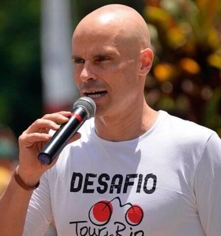 O professor Vinicius Zimbrão: estilo de vida saudável e determinação ajudaram em sua recuperação de um câncer de testículo / Foto: divulgação