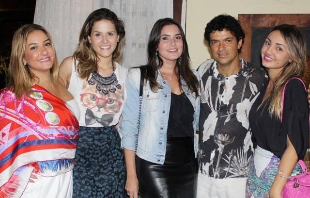 As blogueiras Denise Sendara, Laila Coelho, Camila Marins e Mariana Sendra: uma tarde com Vercillo/ Foto: Wanderson Awilis