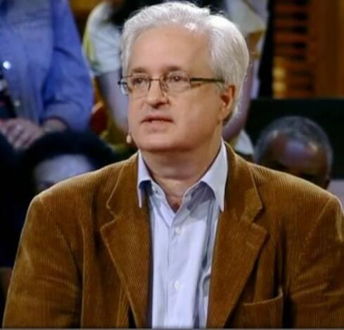 """O psiquiatra Nelson Goldenstein em participação no programa """"Na Moral"""", de Pedro Bial/ Reprodução da internet"""