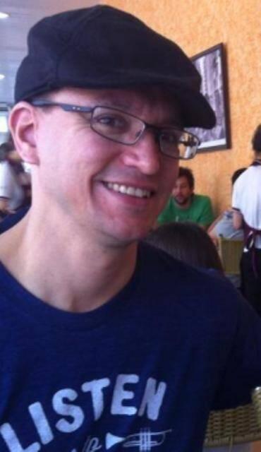 O americano Jonathan Duran vive há 19 anos no Brasil. Casado com  uma assistente social, é pai de um menino de oito anos/ Foto: reprodução da internet