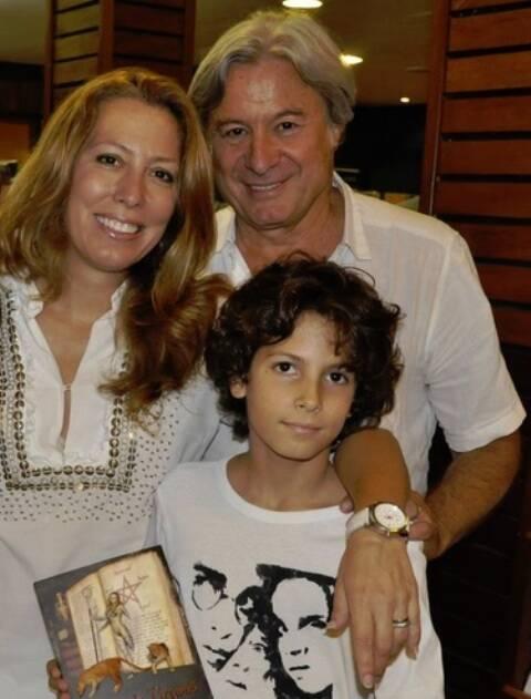 Patrícia, Richard Barbeyron e Thomaz: família está planejando a mudança para a França/ Foto: divulgação