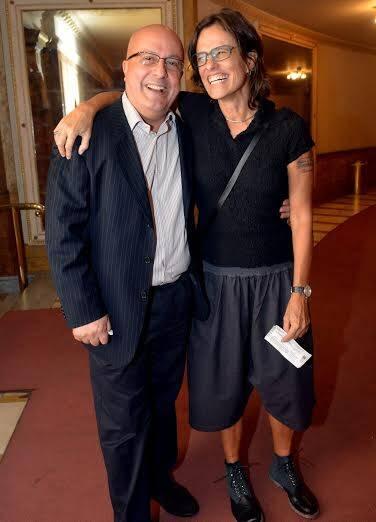 Emilio Kalil e Zelia Duncan: bermuda da cantora no Municipal - traje muito comentado / Foto: Cristina Granato