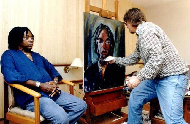 Carlos Bracher pintando Milton Nascimento: tela feita em 2000/ Foto: divulgação