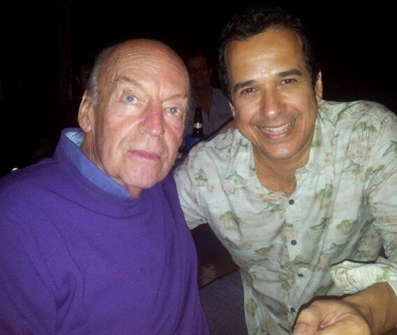 Eduardo Galeano e o músico Zé Paulo Becker em foto tirada na Lapa, em abril de 2014/ Foto: divulgação