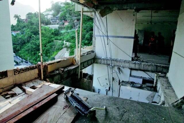 O apartamento do alemão Markus Muller, destroçado com a explosão/ Foto: Severino Silva/ O Dia