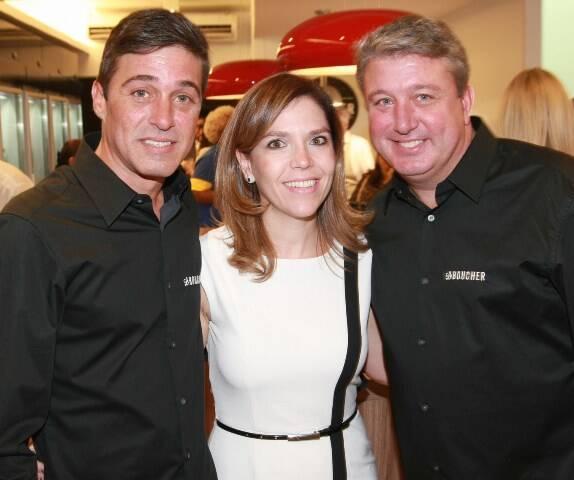 346Q5947-Barbara Monserrat entre Diego e Rodrigo Suassuna