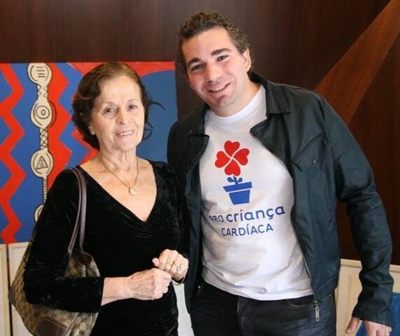 A dra. Rosa Célia e Bernard Vasconcelos, neto de João Uchôa/ Foto: divulgação