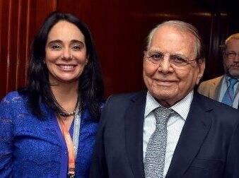 Bárbara Machado com o professor Ivo Pitanguy: a médica faz palestras em Las Vegas, criadas pelo cirurgião / Foto: Cristina Granato (arquivo Site Lu Lacerda)