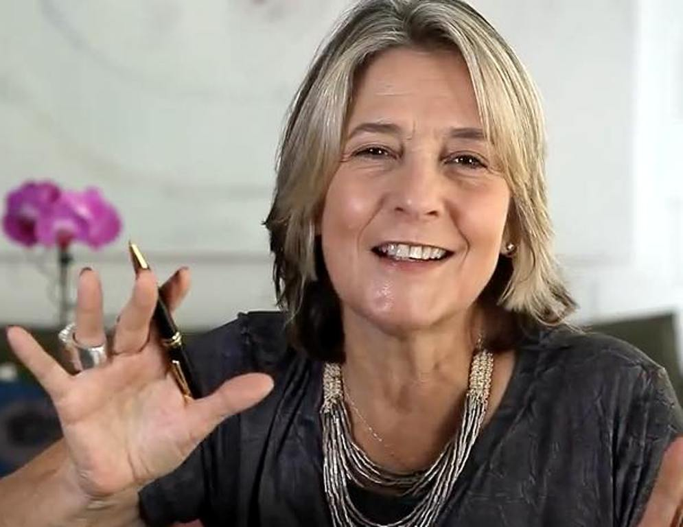 Claudia Lisboa: a astróloga de agenda explodindo de lotada faz palestra gratuita na Casa do Saber no CasaShopping