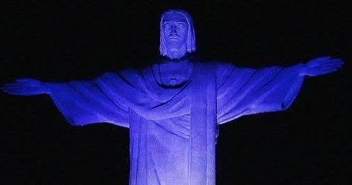 Cristo Redentor: alguns monumentos da cidade estarão iluminados com a cor azul, até o próximo dia 31, pelo Dia Mundial de Combate ao Tráfico de Pessoas / Foto: O Dia