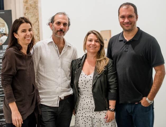 Letícia Monte, Lucas Bambozzi, Renata Saberdelini e Batman Zavareze no lançamento do Visualismo Arte Tecnologia e Cidade, no Parque Lage / Foto: Eduardo Magalhães