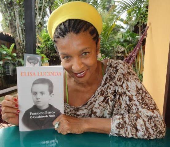 Elisa Lucinda: a poeta mal podia andar nas ruas de Paraty - o público colava nela / Foto: Lu Lacerda