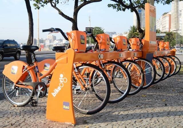 O carioca vem aderindo, cada vez mais, ao transporte em bicicletas/ Foto:  Gustavo Rampir