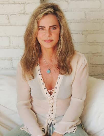 Bruna Lombardi: a atriz e escritora que tem movimentado as redes sociais participa de evento beneficente / Foto: divulgação