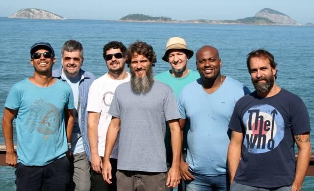 Os integrantes da Du Rio: Marcos Feijão, Alexandre Kohl, Igor Araújo, Leo Saad, Dudu Fuentes, Mestre Maurão e Fabio Allman / Foto: divulgação