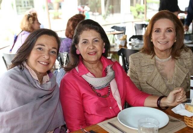 Elda Monnerat, Sylvia Ururahy e Clara Magalhães; acima, Lucia Grossi, Carol Murta Ribeiro e Ruth Niskier / Fotos: Gianne Carvalho