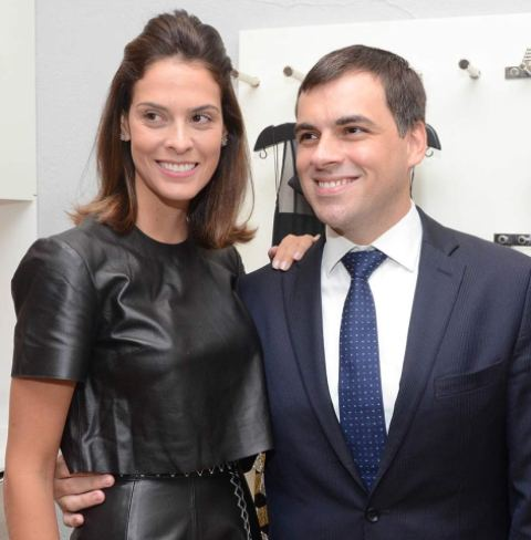 Renata-Queiroz-de-Moraes-e-Sandro-Barros1508127698