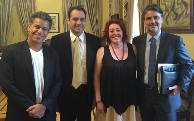 Luiz Calainho, o governador de Pernambuco, Paulo Câmara, Lu Araújo e o vice-governador, Raul Henry: últimos detalhes para o MIMO/ Foto: Daniel Asfora