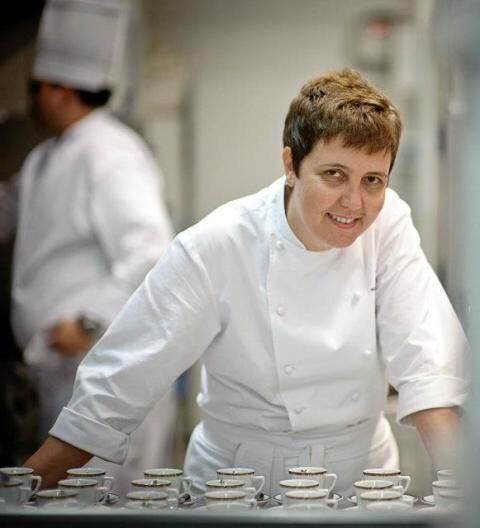 Roberta Sudbrack: chef vai assinar o jantar que marcará a entrada no Brasil de uma tradicional marca  francesa de fogões / Foto: reprodução do Facebook