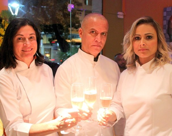 Os chefs Claudia Von Shilcher, Paulo Siqueira e Carol Cavalcante: novidade em Ipanema / Foto: divulgação