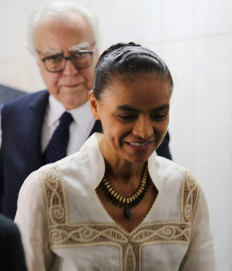 """Marina Silva e o deputado Miro Teixeira mais atrás,  no ato """"Brasil em Rede"""", dia 8, no Congresso Nacional / Foto; Léo Cabral"""